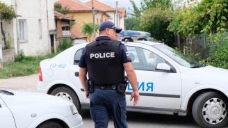 52-годишен нападна две жени