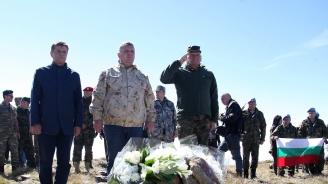 Каракачанов от Каймакчалан: Нашите бойци показват чудеса от храброст