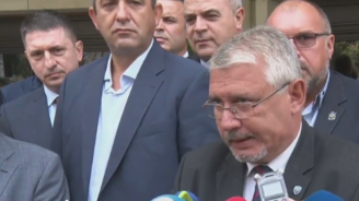 Синдикатите в МВР няма да дадат време на Маринов (видео)