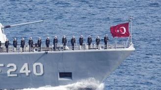 Турски военен кораб задържа екипажа на кипърски риболовен кораб