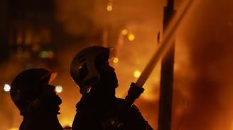 Четирима, сред които две деца, изгубиха живота си при пожар в холандски град