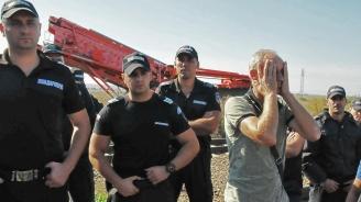 Ето какво са открили митничарите в завод на Миню Стайков (видео)