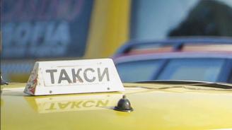 Засякоха дядо да кара нелегално такси