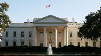 САЩ обмислят да затегнат правилата за постоянно пребиваващите чужденци