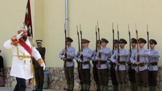 """Във Велико Търново """"посрещнаха княз Фердинад"""" (снимки)"""