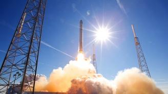 Японска фирма за лунни изследвания ще използва ракети на SpaceX