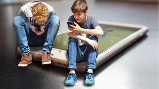Застояването пред компютрите влошава когнитивните способности на децата