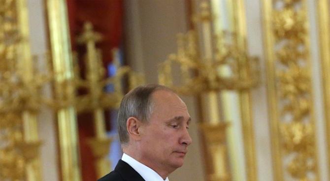 Партията на руския президент Владимир Путин загуби в две области