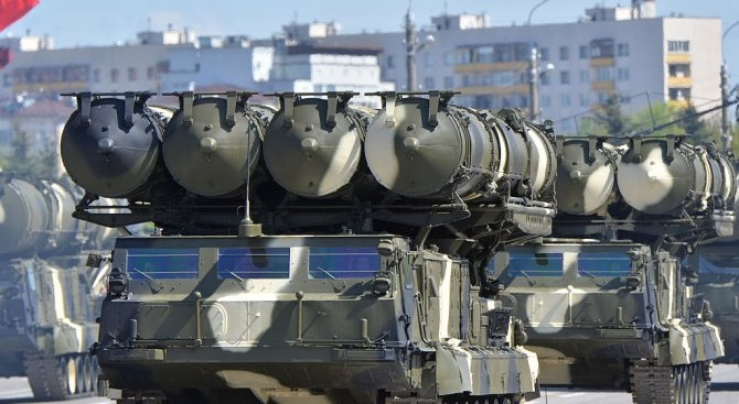 Русия ще достави до две седмици зенитни ракетни комплекси С-300