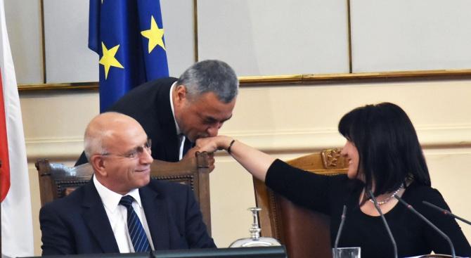 Председателят на Народното събрание Цвета Караянчева и вицепремиерът Валери Симеонов