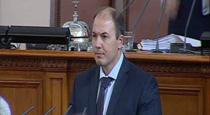 Станислав Попов положи клетва като народен представител на мястото на