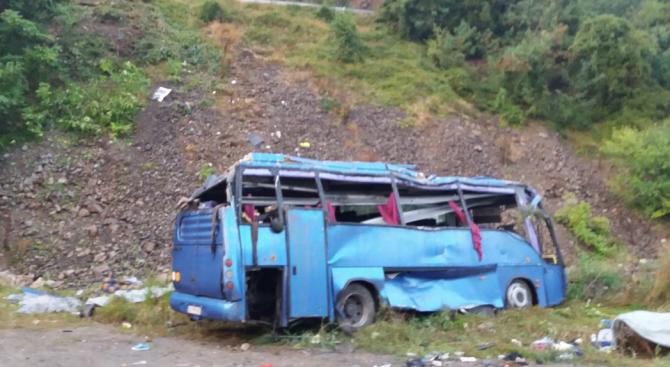 Почина още една жена от тежката автобусна катастрофа край Своге