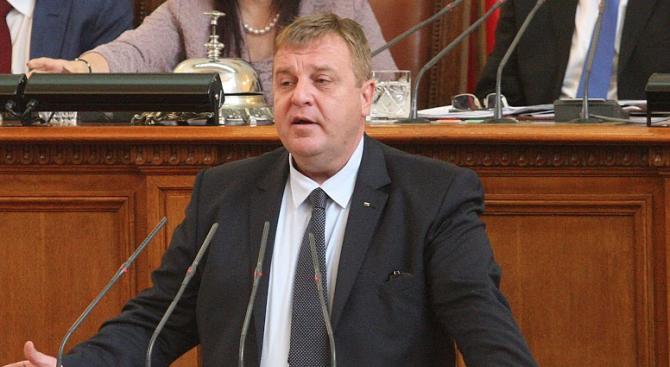 Красимир Каракачанов: Лобирам за едно - за българската армия и нейните бойни способности