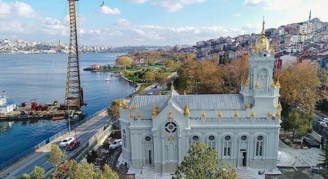 Създаването на Желязната църква Свети Стефан в Истанбул е коронясването