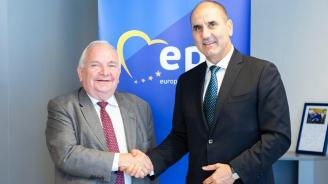 Цветанов се срещна с председателя на Европейската народна партия Жозеф Дол