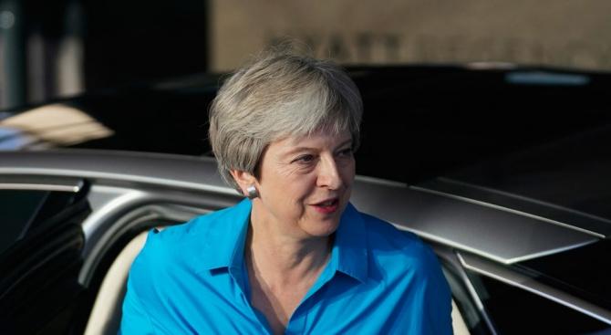 Британският премиер Тереза Мей се разграничи днес от своя външен