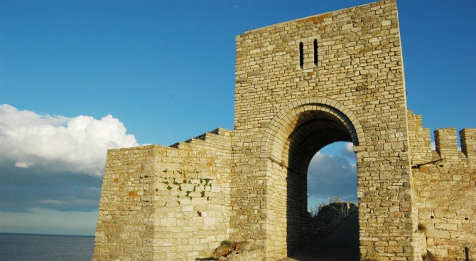 Историческият нос Калиакра - средновековна твърдина на Добруджанското деспотство, е