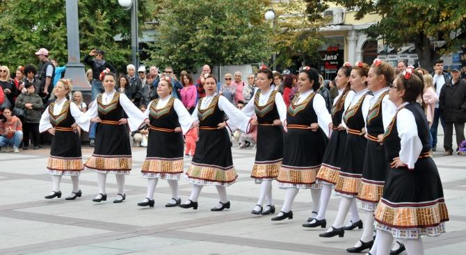 За втора поредна година танцьори от 10 бургаски клуба за