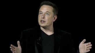 """Мъск плаща 20 млн. глоба и напуска един от постовете си в """"Тесла"""""""