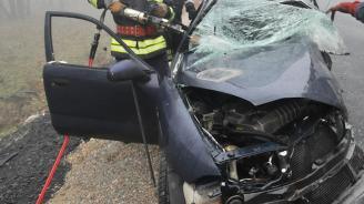 Шофьор загина, а 19-годишен е в болница след челен удар на пътя Пловдив – Пазарджик