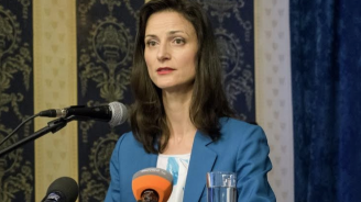 Мария Габриел: 300 хиляди киберспециалисти липсват в момента в Европа