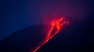 На остров Сулавеси изригна вулкан