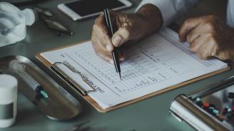 Въпреки че са платили, стотици нямат здравноосигурителни права