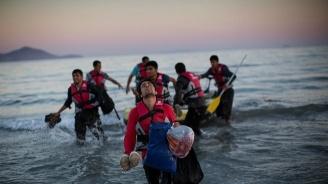 264 нелегални мигранти пристигнаха в Испания, други 120 - в Малта, след като бяха спасени в Средиземно море