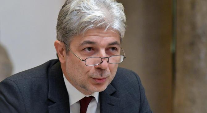 Нено Димов обясни може ли България да забрани вноса на стари автомобили