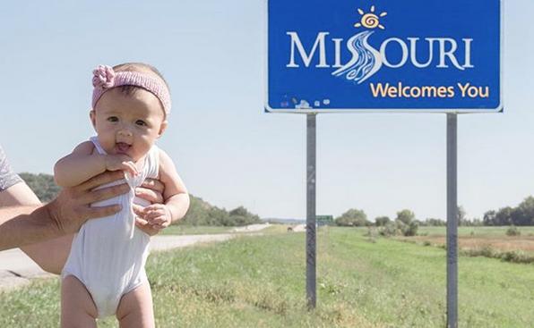 Бебе на 5 месеца обиколи почти всички американски щати (снимки)