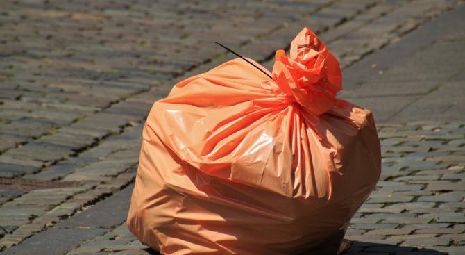 Забраняват пластмасовите торбички до три години