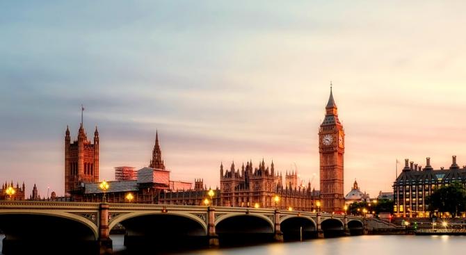 Британският външен министър Джереми Хънт призова днес Саудитска Арабия да