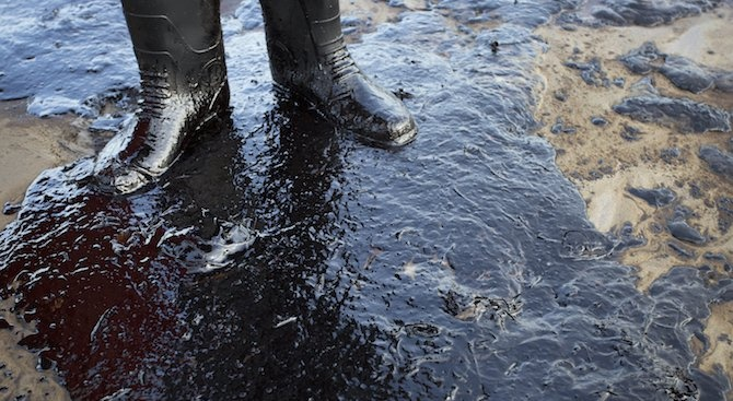 Взрив в петролна рафинерия в Босна и Херцеговина