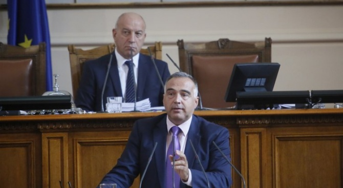 Антон Кутев: ГЕРБ поемат отговорност от мафиотски тип
