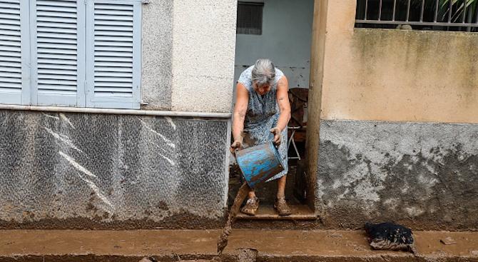 Започна разчистването на испанския остров Майрока, който вчера беше потопен