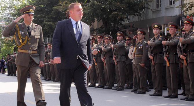 Каракачанов ще участва в ритуала по полагане на военна клетва от курсантите на НВУ