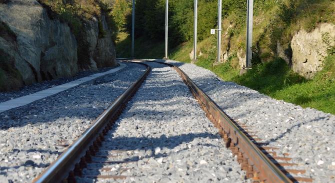 Движението на влаковете между Благоевград и Дупница е възстановено