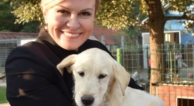 Хърватският президент Колинда Грабар Китарович посети днес приют за животни