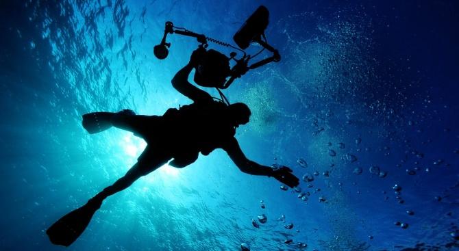 За първи път в НАТФИЗ обучават студенти по подводно операторско