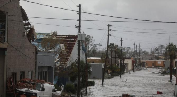 Броят на жертвите в САЩ на урагана Майкъл стана 16,