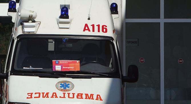 Автомобил, превозващ мигранти, се е сблъскал с камион в Северна