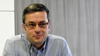 Тома Биков: Вотът на недоверие е част от абсурдна поредица