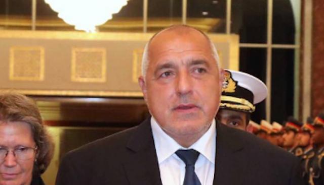 Вижте как шейх Мохамед Бин Зайед Ал-Нахаян посрещна Борисов (обновена+видео)