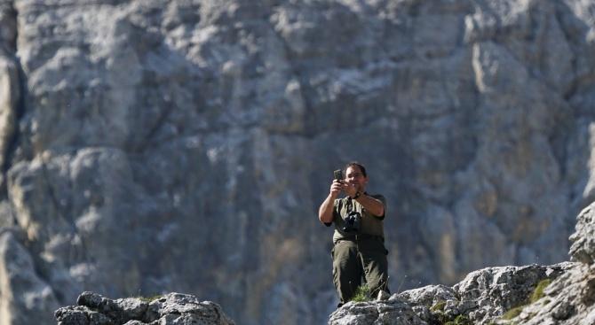 Млад мъж от Бургас е загинал след падане от над