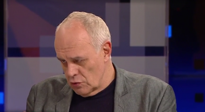Андрей Райчев: Правителството е в тежка отбрана