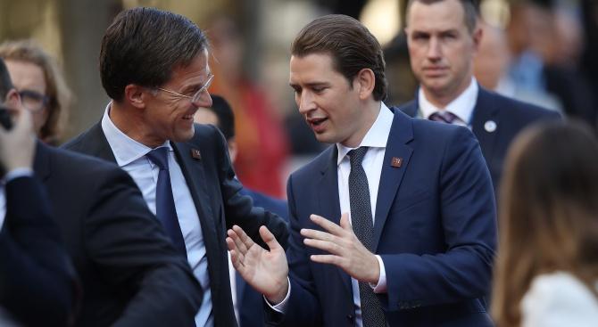 Холандският премиер Марк Рюте и австрийският канцлер Себастиан Курц заявиха,