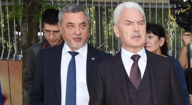 Народните представители от НФСБ снеха доверието от Волен Сидеров като