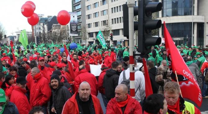 Полицаите в Брюксел и митничарите на столичното летище днес стачкуват,