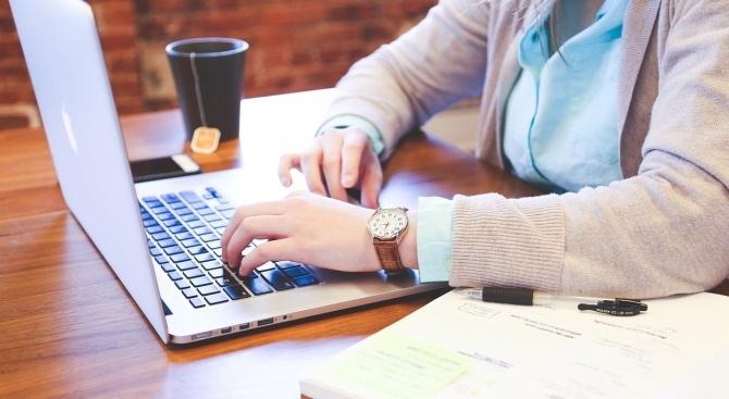 НАП предостави осем нови електронни услуги на своите клиенти. С