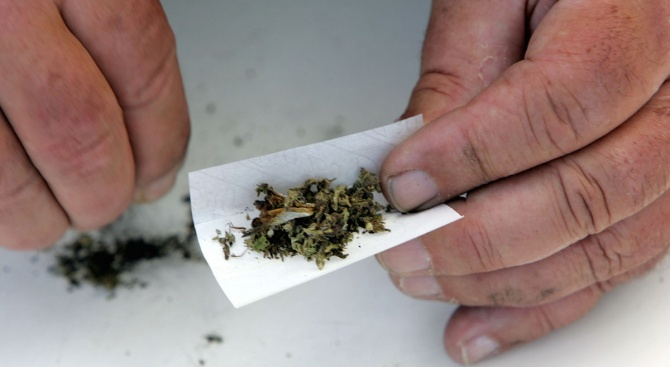 Решението на Канада да узакони консумацията на марихуана за развлекателни